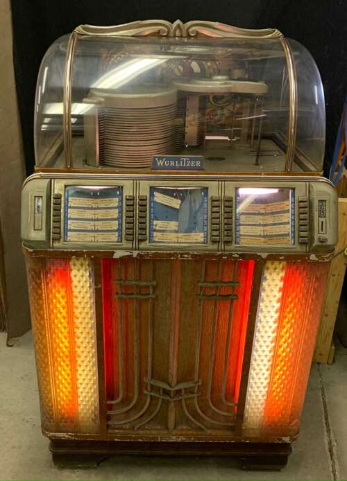 Wurlitzer 1952 Model 1400 jukebox