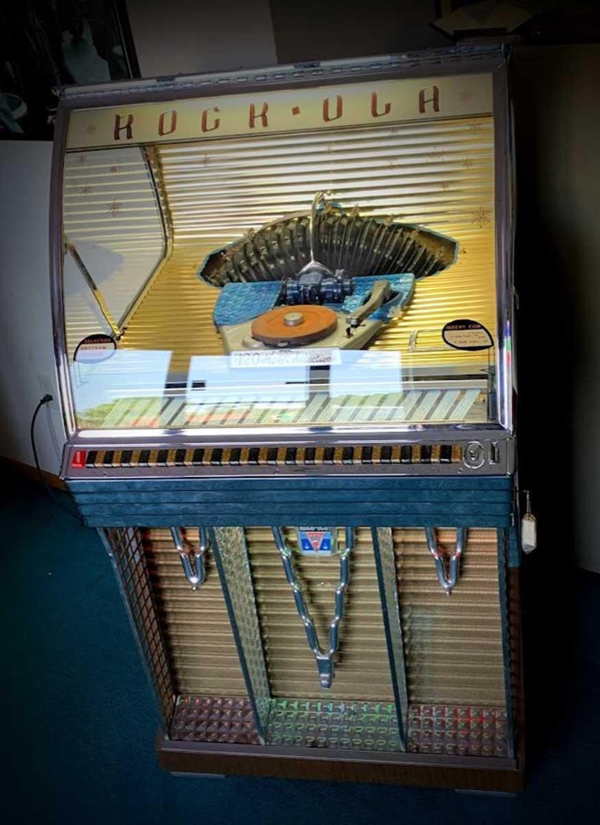 Rock-Ola Model 1454 Jukebox