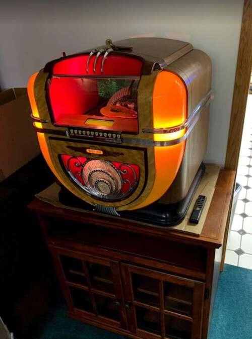 Rock-Ola Model 91 100 CD Countertop Model