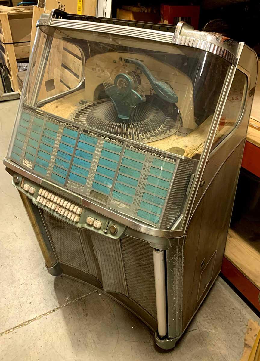 Wurlitzer Model 1900 Jukebox